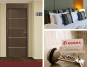 La importancia de la decoración y las puertas en los hoteles