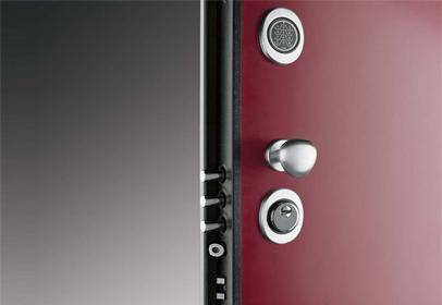 Modelo puerta con cerradura electrónica